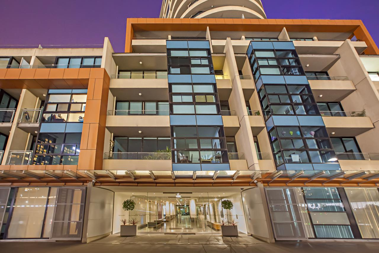 Melbourne Holiday Apartments Flinders Wharf - Accommodation VIC