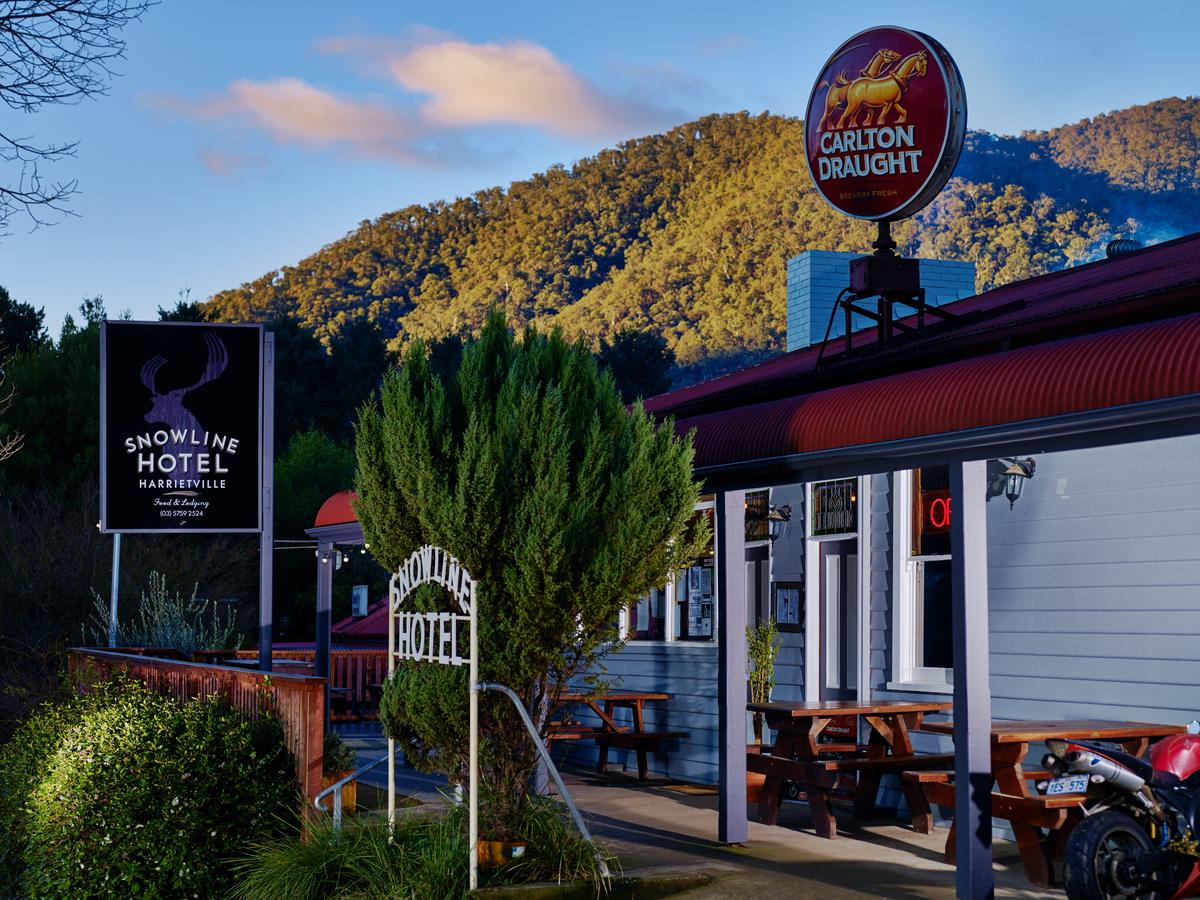 The Harrietville Snowline Hotel - Accommodation VIC