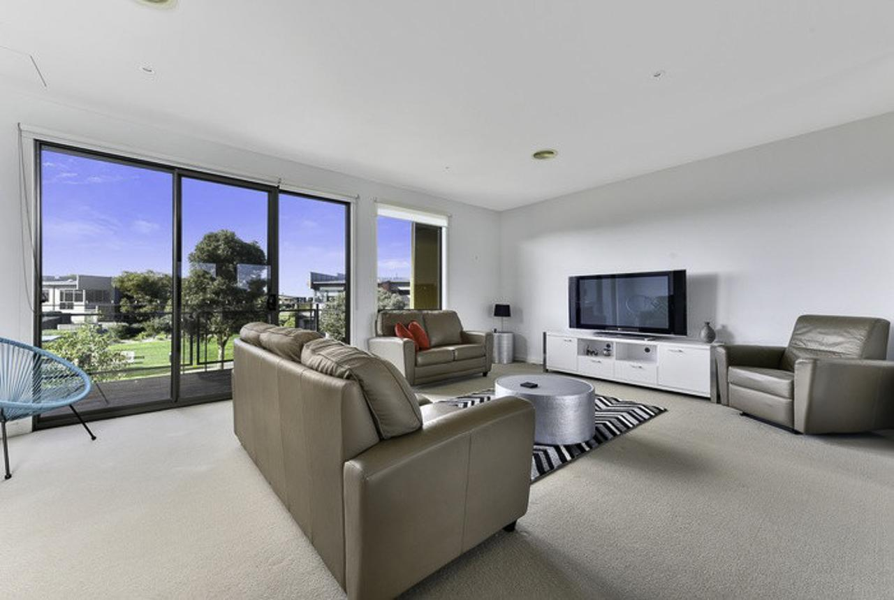 23 Coast Drive Torquay - Accommodation VIC
