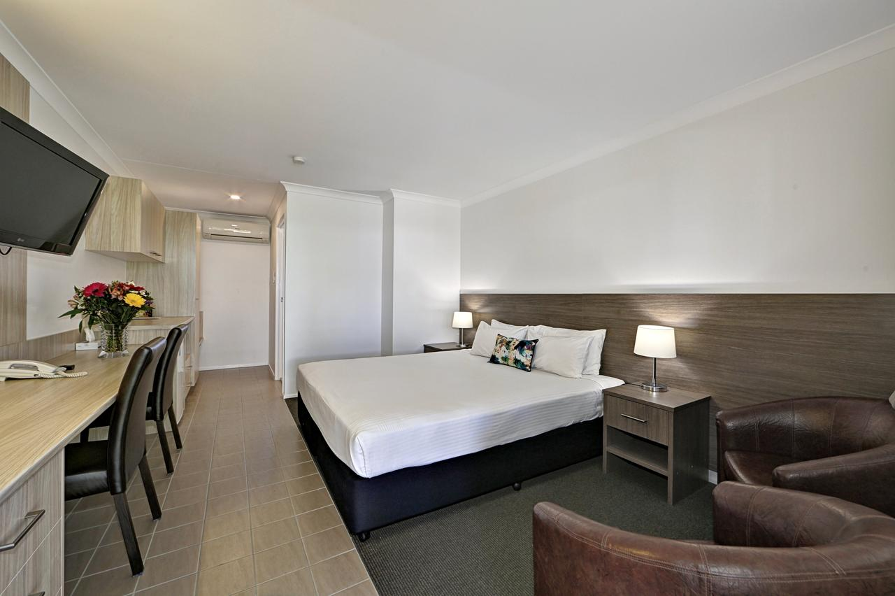 Smart Motels Bert Hinkler - Accommodation VIC