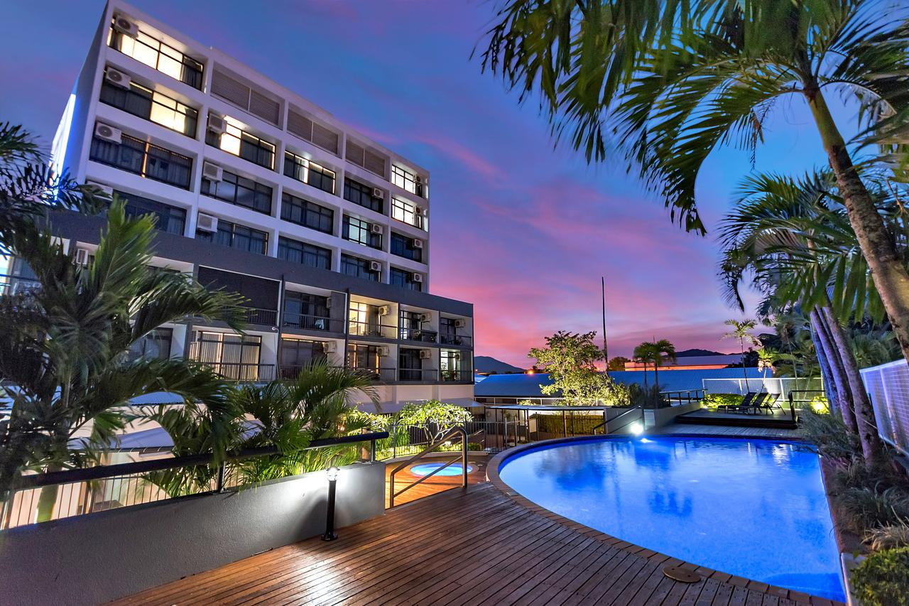 Sunshine Tower Hotel - Accommodation VIC