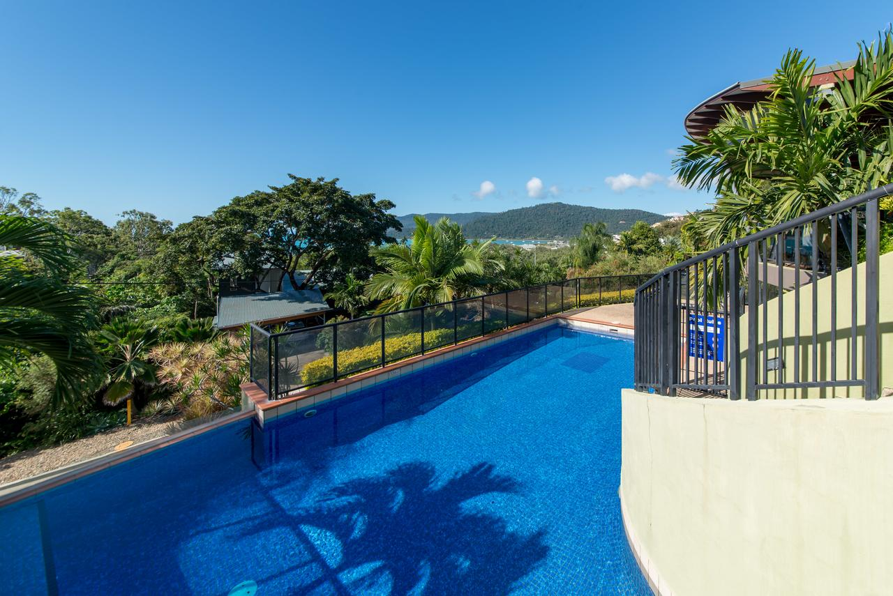 Paradise Penthouse at Waves - Airlie Beach - Accommodation VIC