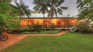 Beachcomber Lodge - Accommodation VIC