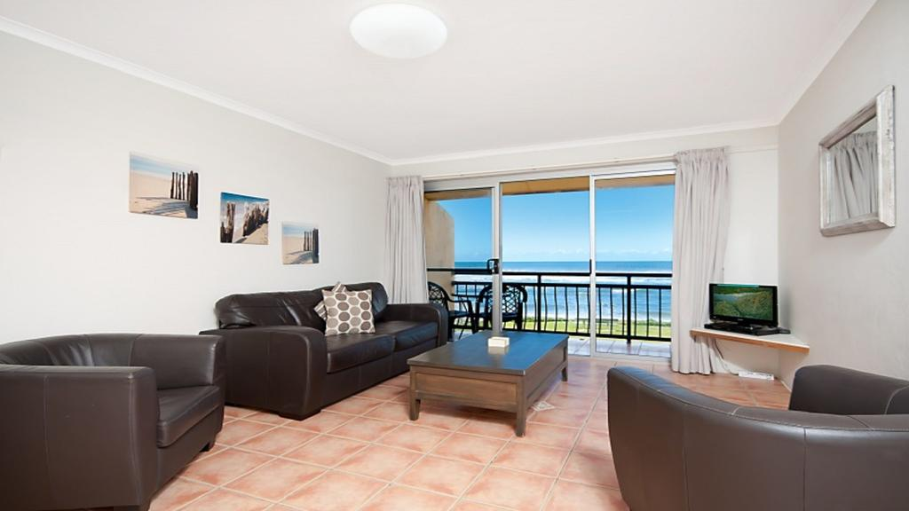 10T Beachfront Apartments - Accommodation VIC