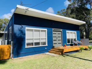Abode Callala Beach Jervis Bay - 100m to Beach - Accommodation VIC