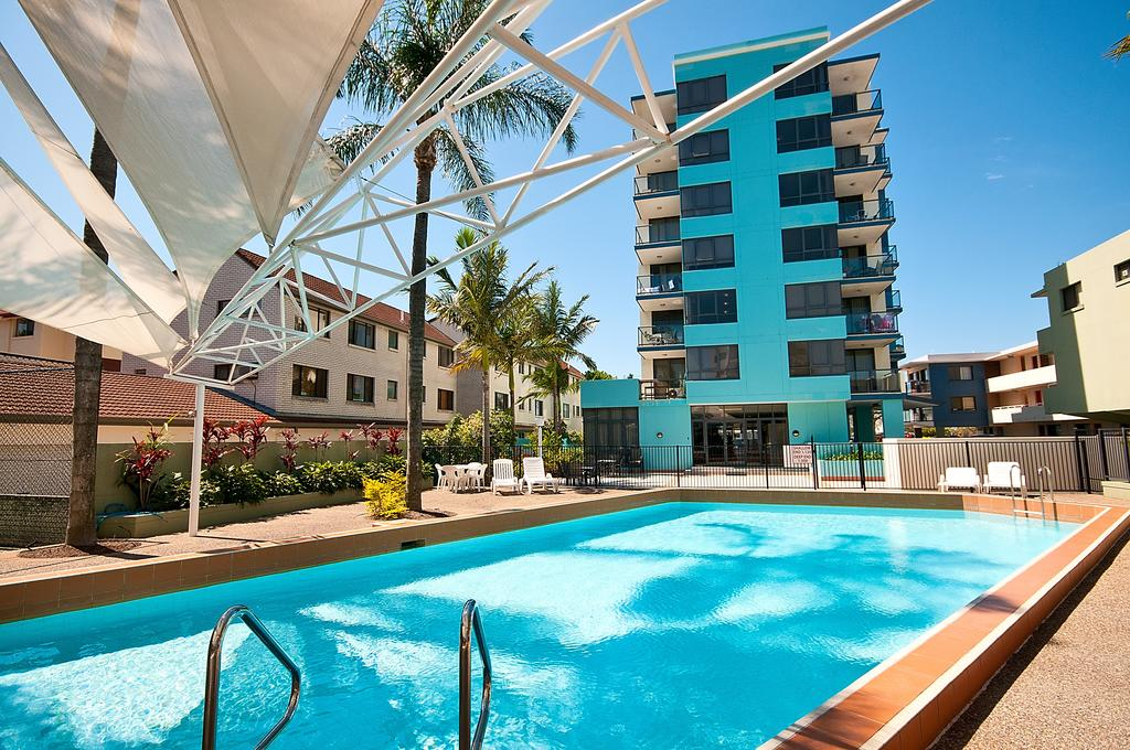 Aqualine Apartments On The Broadwater - Accommodation VIC