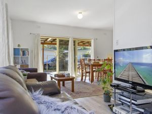 Beach Escape  Currarong - basic family accommodation - Accommodation VIC